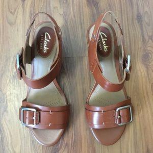 71a438dd39fb78 Clarks Shoes - NWT Clarks Ralene Dazzle Tan Leather Sandals 5.5